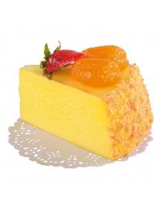 Imitación de porción de tarta de queso con fresa y rodaja mandarina para panaderías pastelerías y escaparates de tiendas