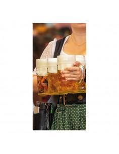Banner-foto mujer llevando jarras de cerveza para la decoración del fondo decorativo en los escaparates de tiendas