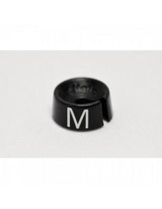 Etiqueta de tamaño M para el interior de espacios de tiendas o comercios