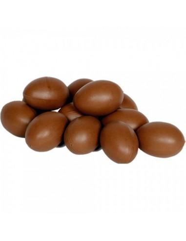 Imitación de huevos para escaparates de pastelerías en pascua de semana santa