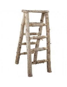 Escalera en v de madera de abedul para escaparates en verano de tiendas o comercios
