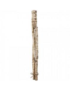 Fardo de leña de 3 troncos delgados de abedul para escaparates en verano de tiendas o comercios