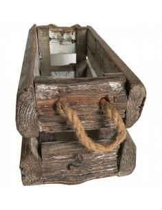 Caja de madera vintage con asas de cuerda para escaparates en verano de tiendas o comercios