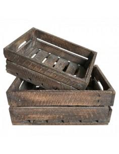Caja de madera vintage con asas recortadas para escaparates en verano de tiendas o comercios