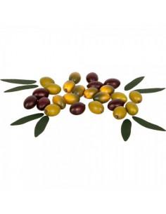 Imitación aceitunas verdes y lechín para la decoración de escaparates en verano con imitación alimentos