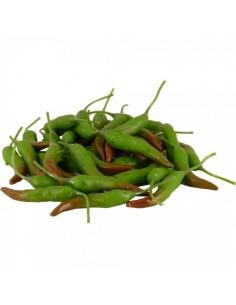 Imitación de vainas de chile verde para la decoración de escaparates en verano con imitación alimentos