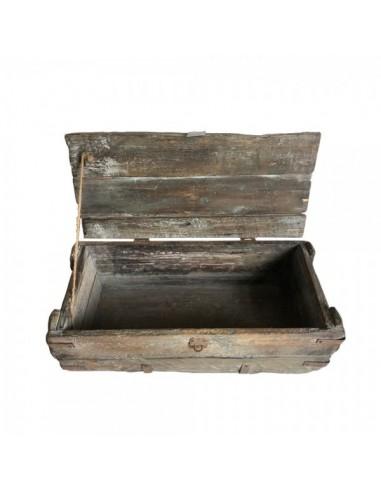Caja de madera con cierre y tope de cuerda vintage para la decoración de espacios y escaparates e interior de tiendas