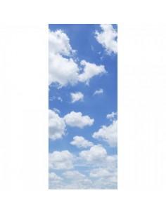 Banner-poster nubes sobre cielo azul para la decorar en primavera centros comerciales y escaparates